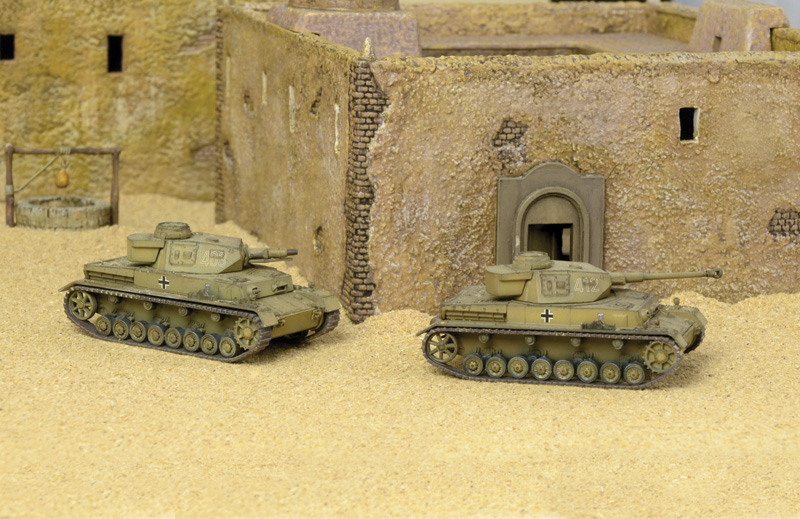 Sd.Kfz.161 Pz.Kpfw.IV F1-F2  (2 FAST ASSEMBLY MODELS)