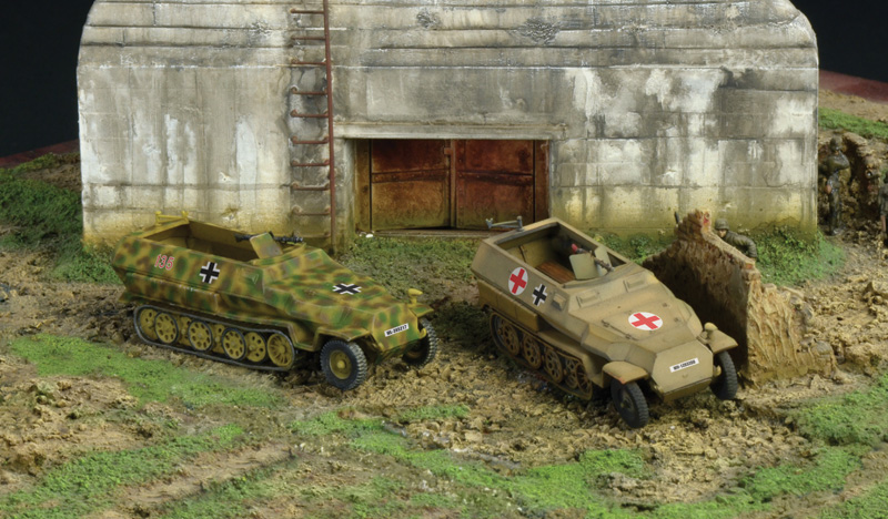 Sd.Kfz.251/1 Ausf.C  (2 FAST ASSEMBLY MODELS)