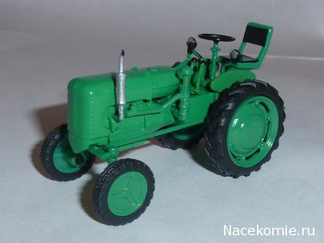 Traktor HTZ-7 roheline ajakirjaga